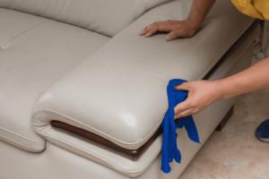 nettoyer le cuir d'un canapé